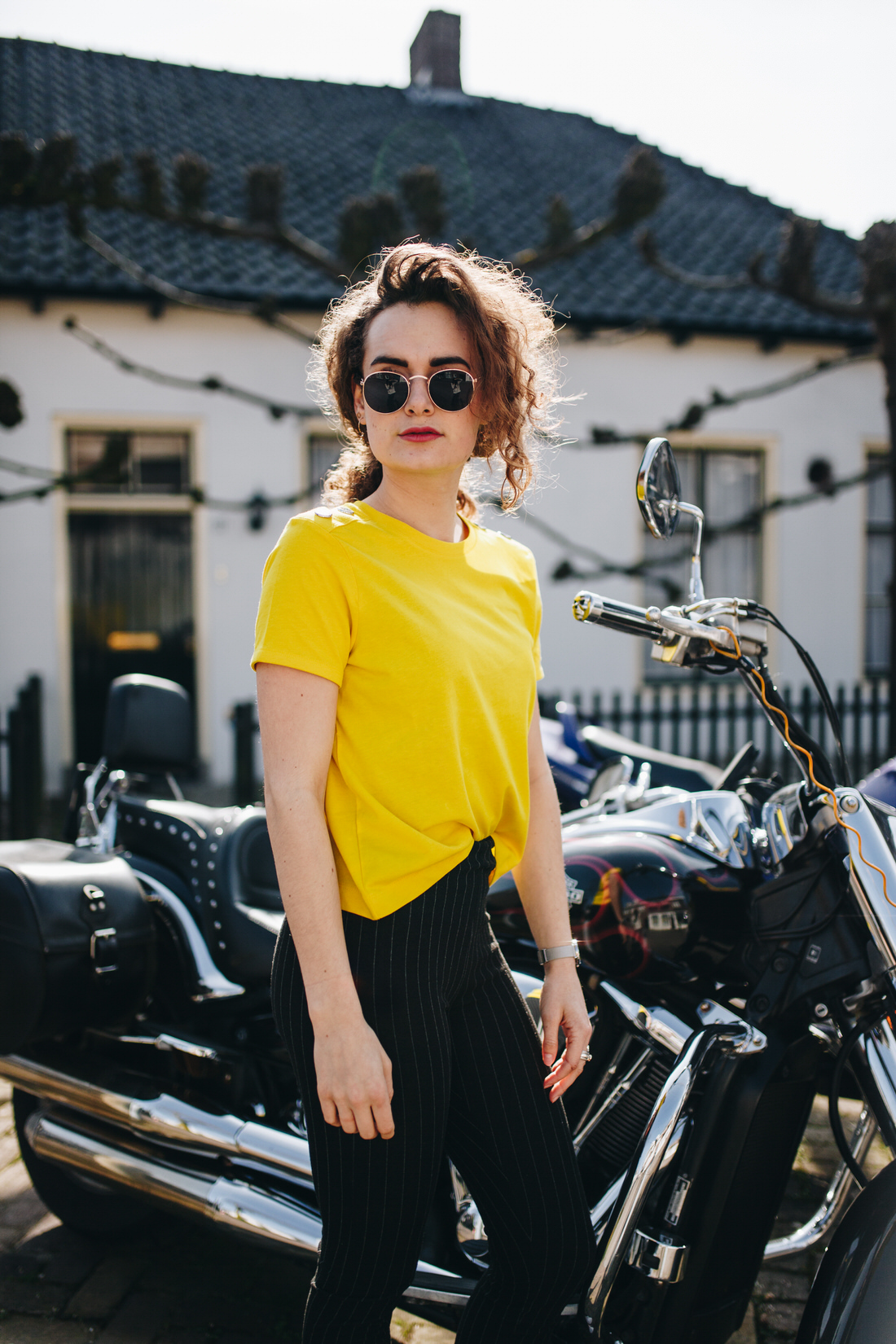 yellow shirt motor blogger outfit